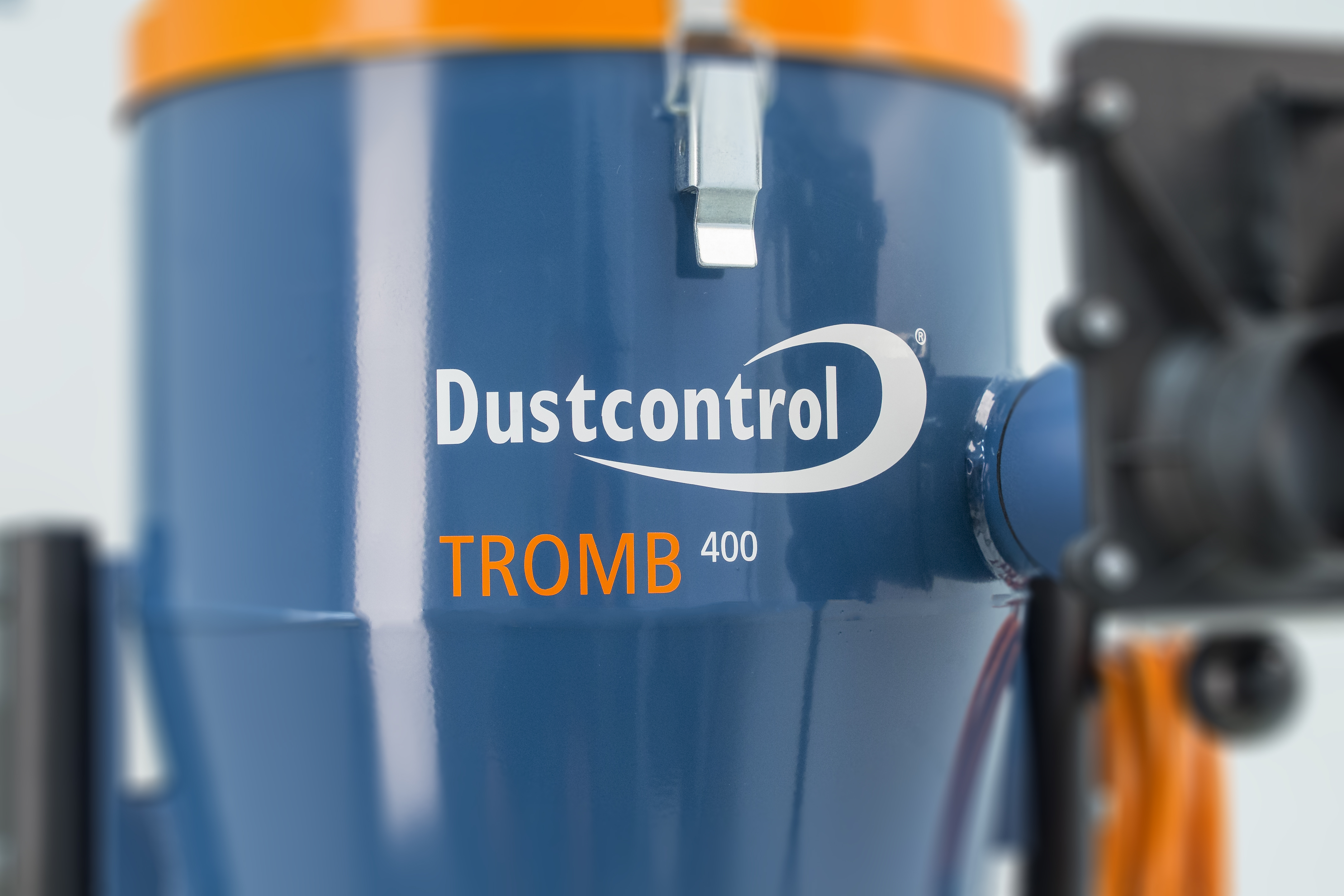 The benefits of using our DC Tromb 400 when floor grinding